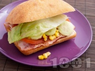 Сандвич с бекон и царевица